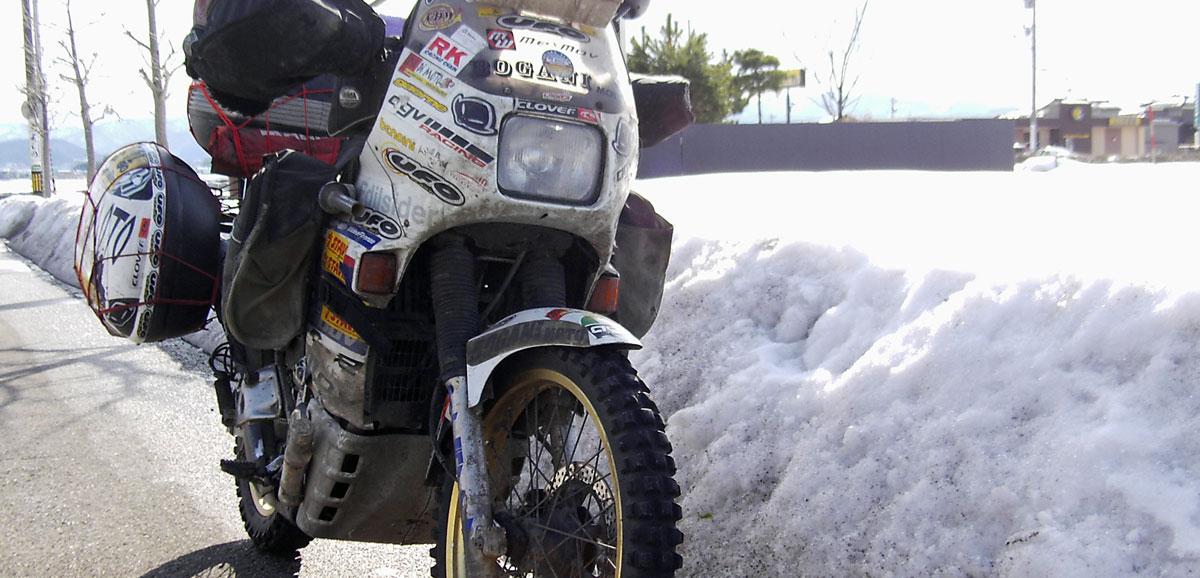 gionata-nencini-partireper-honda-transalp-un-viaggio-nel-mondo-in-moto-tour-transiberiano-giappone-neve-ghiaccio
