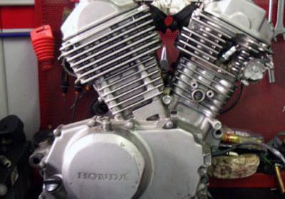 gionata-nencini-partireper-honda-transalp-2010-restauro-moto-maxxx-motato-milano06